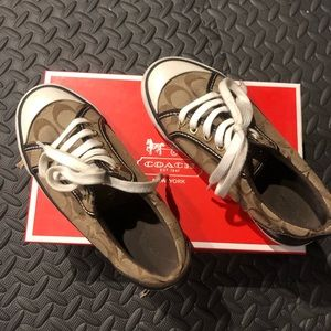 Coach Barrett Sneakers GUC with box, size 5